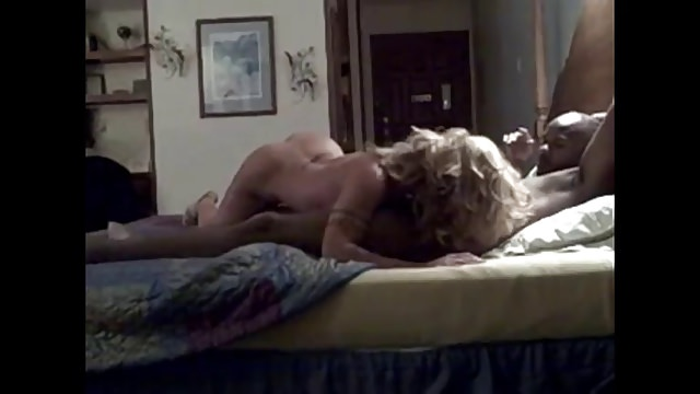 filmer sa femme entrain de baiser avec son jeune amant black