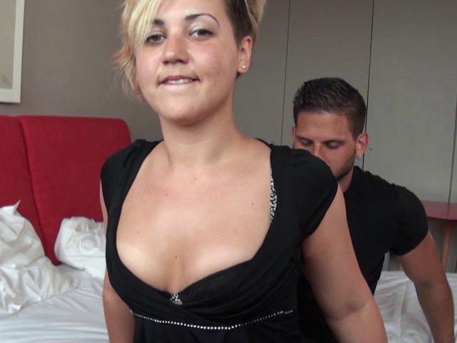 son mari ne s'occupe plus de son cul, mais moi oui