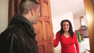 femme infidèle de Sisteron sodomisée chez elle