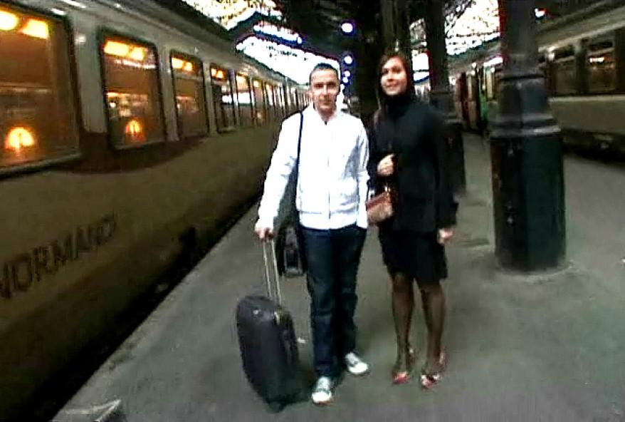 jacquie et michel invite une amatrice a venir baiser sur paris