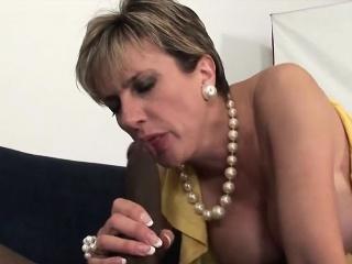 amatrice anglaise mature trompe son mari avec un beau black