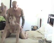 blondasse salope trompe son mari avec un de ses potes