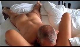 video d'homme infidèle trompant sa femme