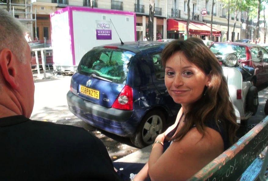 porno amateur tournée par la factrice en vélo de Neuilly